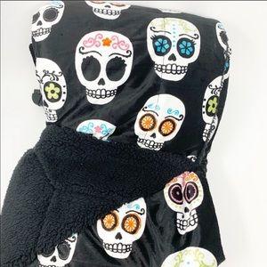 THRO by MARLO LORENZ sugar skulls black throw NWT